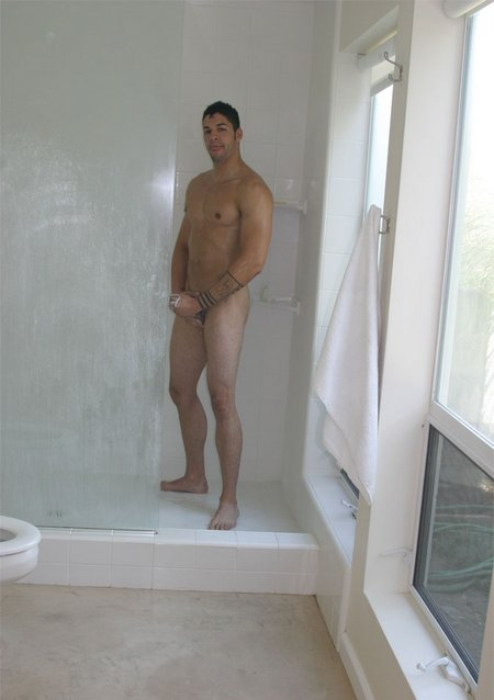 Dude jerks off in shower2513 04