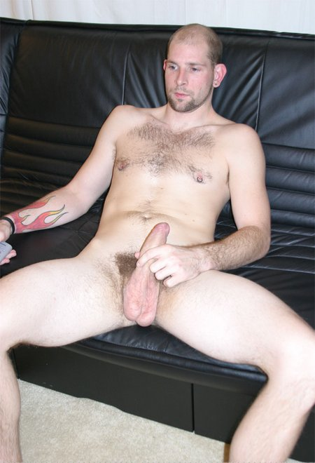 Dude likes to pplay with his self0364 04