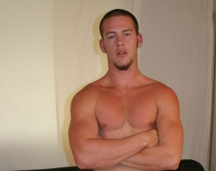 Justin came to Men Jerking Off's backyard and we were able to snap up a few ...